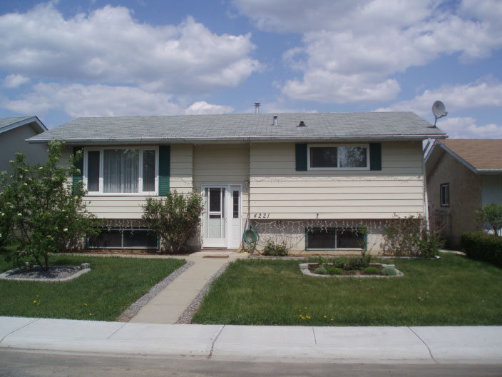 House in Meridian Heights, Stony Plain