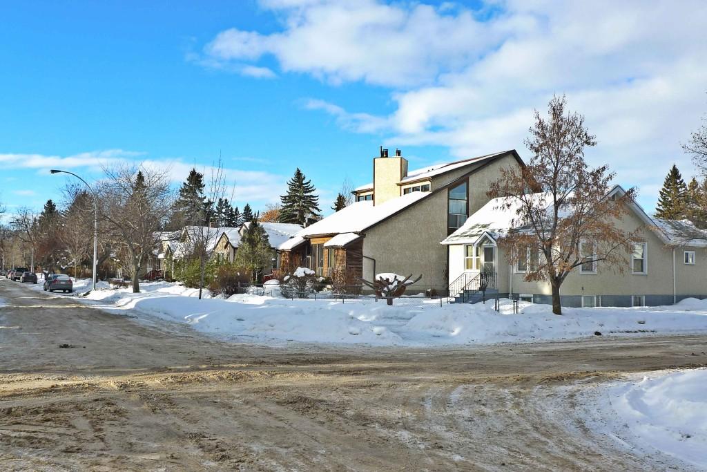 Queen-Alexandra,Edmonton-Neighbourhood-Profile-Photo