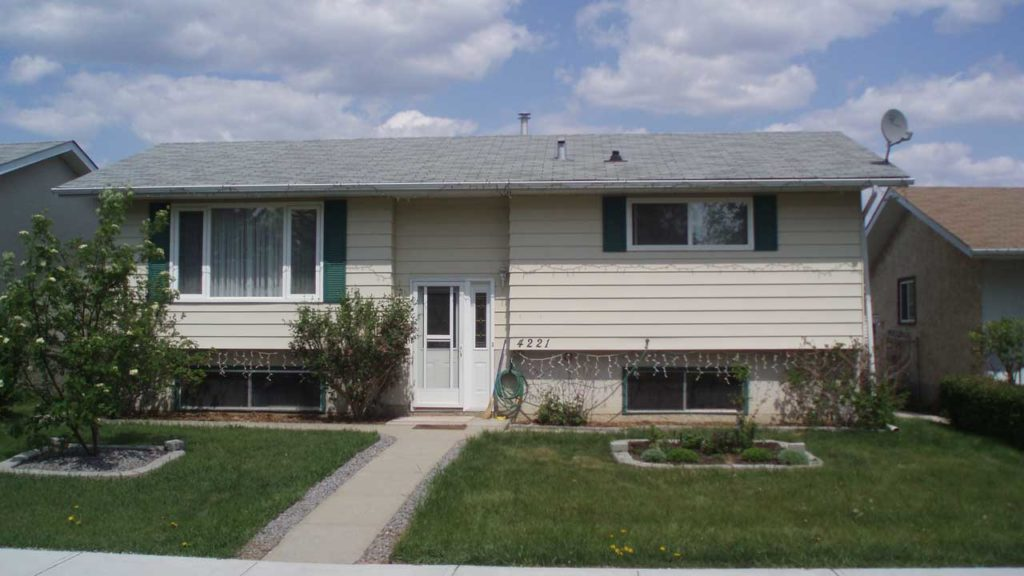 An Example of a Bilevel in Meridian Heights, Stony Plain